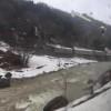 ⑩JR西日本側の大糸線に沿ってバスが行く