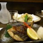 ④近江町市場「刺身屋」で日本酒ナイト